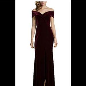 NWT Xscape Velvet HighSlit Long Party DressRed 12p